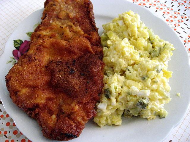 Jak připravit rybí polévku a bramborový salát jako od babičky?